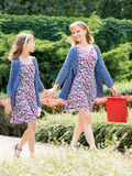 Mother and daughter shopping trip Royalty Free Stock Photos