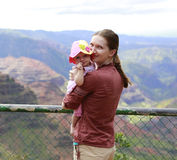 Mother and her daughter in Waimea Canyon Royalty Free Stock Photos