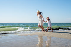 Mother and her little daughter Royalty Free Stock Photos