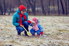 Mother and little daughter playing in winter Royalty Free Stock Photography