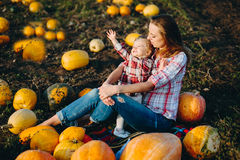 Mother playing with her daughter Royalty Free Stock Images