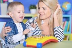mother playing son together Στοκ φωτογραφίες με δικαίωμα ελεύθερης χρήσης