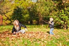 mother playing son together Στοκ εικόνα με δικαίωμα ελεύθερης χρήσης