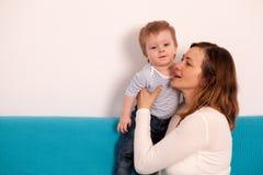 mother playing son together Στοκ εικόνες με δικαίωμα ελεύθερης χρήσης