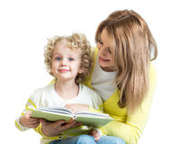 Mother reading a book to kid Royalty Free Stock Photography