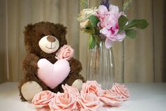 Free Mother`s Day Teddy Bear And Pink Roses Stock Images - 211883964