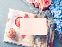 Mother`s day Valentine concept muffin cup tea paper note Royalty Free Stock Photography