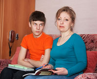 Mother and son doing homework Royalty Free Stock Photos
