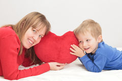 Mother and son holding heart Royalty Free Stock Photos