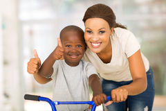 Mother son thumbs up Royalty Free Stock Photography