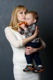 mother sonen Fotografering för Bildbyråer