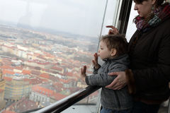Mother tells her son about Prague Royalty Free Stock Photos