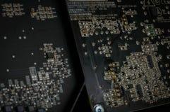 Motherboard van de siliciumcomputer met Soldeersel en Kringen stock foto's