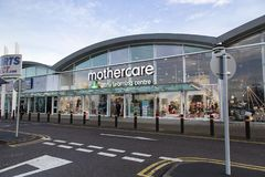 Mothercare及早在商店门面的学习中心 免版税库存照片