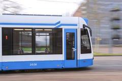 Motie vage tram - openbaar vervoer Royalty-vrije Stock Foto's