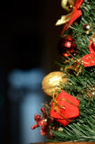 Motif de Noël avec le cadeau pour la branche impeccable (2016, voiture de nouvelle année Photo libre de droits