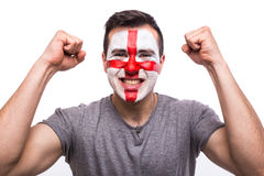 Émotions de cri perçant de but de passioné du football d'Anglais dans l'appui de jeu de l'équipe nationale de l'Angleterre Images stock