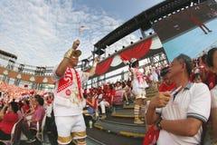 Motivador que se realiza durante el avance 2015 del desfile del día nacional Imagen de archivo