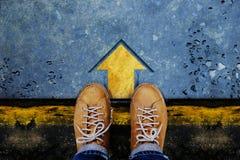 Motivation- och framgångbegrepp Bästa sikt av mannen med Sh läder Arkivfoto