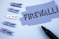 Motivational appell för begreppsmässig Firewall för handhandstilvisning Malware för affärsfototext skydd förhindrar internetbedrä arkivfoton