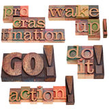 motivationen övervinner förhalning till Arkivfoton