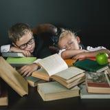 Motiveer uw kind om een boring onderwerp te bestuderen Stock Afbeelding