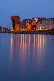 Motlawa flod och gamla Gdansk på natten Fotografering för Bildbyråer