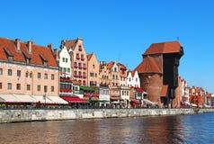 Motlawa-Flussdamm in im Stadtzentrum gelegenem Gdansk, Polen Stockbild