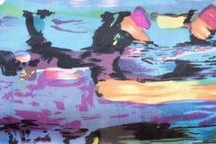 Motley abstrakt begreppteckning på ett fint tyg Royaltyfri Fotografi