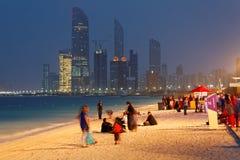 MOTN ( Mutter des Nation) Festival auf Abu Dhabi ' s Corniche Lizenzfreie Stockfotografie