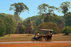 Moto-δίτροχος χειράμαξα στην Καμπότζη Στοκ εικόνες με δικαίωμα ελεύθερης χρήσης