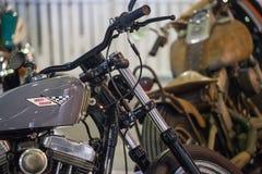 Moto de Harley Davidson de vintage sur l'affichage Photo libre de droits
