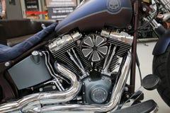Moto de Harley Davidson montrée à la 3ème édition de l'EXPOSITION de MOTO à Cracovie Photos libres de droits