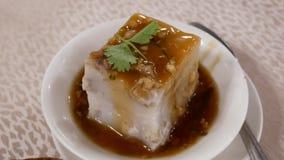 Moto del dim sum sulla tavola dentro il ristorante cinese stock footage
