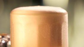 Moto della schiuma della birra stock footage