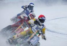Moto emballant sur la glace Photos stock