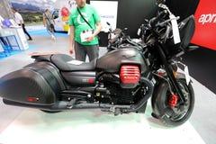 Moto Guzzi MGX 21 motorcykel som visas på MOTO-SHOWEN i Krakow poland Arkivfoto