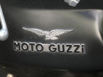Moto Guzzi motorcykelemblem Arkivbilder