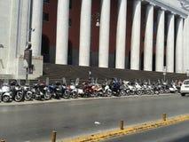 Motoautopedden in lijn Stock Afbeelding