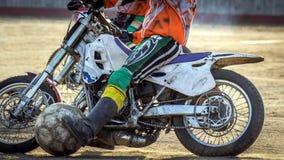 Motoball Соперничество эпизода между 2 спортсменами Стоковые Фотографии RF