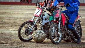 Motoball Rivalidad del episodio entre los dos atletas Imagen de archivo