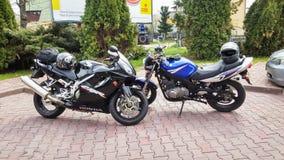 Motobike di Honda CBR 600 e di Suzuki GS 500 Fotografia Stock