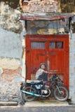 Motobiker街艺术在乔治市 免版税库存图片