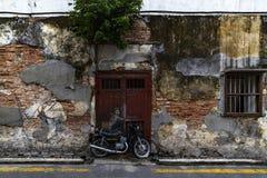 Motobiker gatakonst på George Town arkivbilder