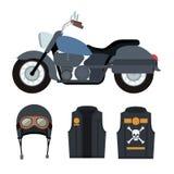Motocicleta azul clássica com revestimento e capacete com símbolo do crânio e dos ossos no fundo branco Imagens de Stock Royalty Free