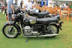 Motocicleta clássica do guzzi do moto dos anos 70 Fotografia de Stock Royalty Free