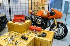 Motocicleta con las herramientas en el 36.o salón del automóvil internacional 2015 de Bangkok Imágenes de archivo libres de regalías