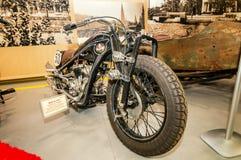 Motocicleta de alta velocidad retra, el objeto expuesto del museo histórico, Rusia, Ekaterinburg, 04 03 2017 años Fotos de archivo libres de regalías