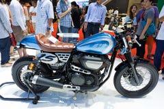 Motocicleta de encargo del café del perno de Yamaha Imagen de archivo libre de regalías