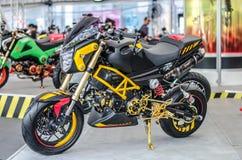 Motocicleta de Honda MSX adentro imagen de archivo